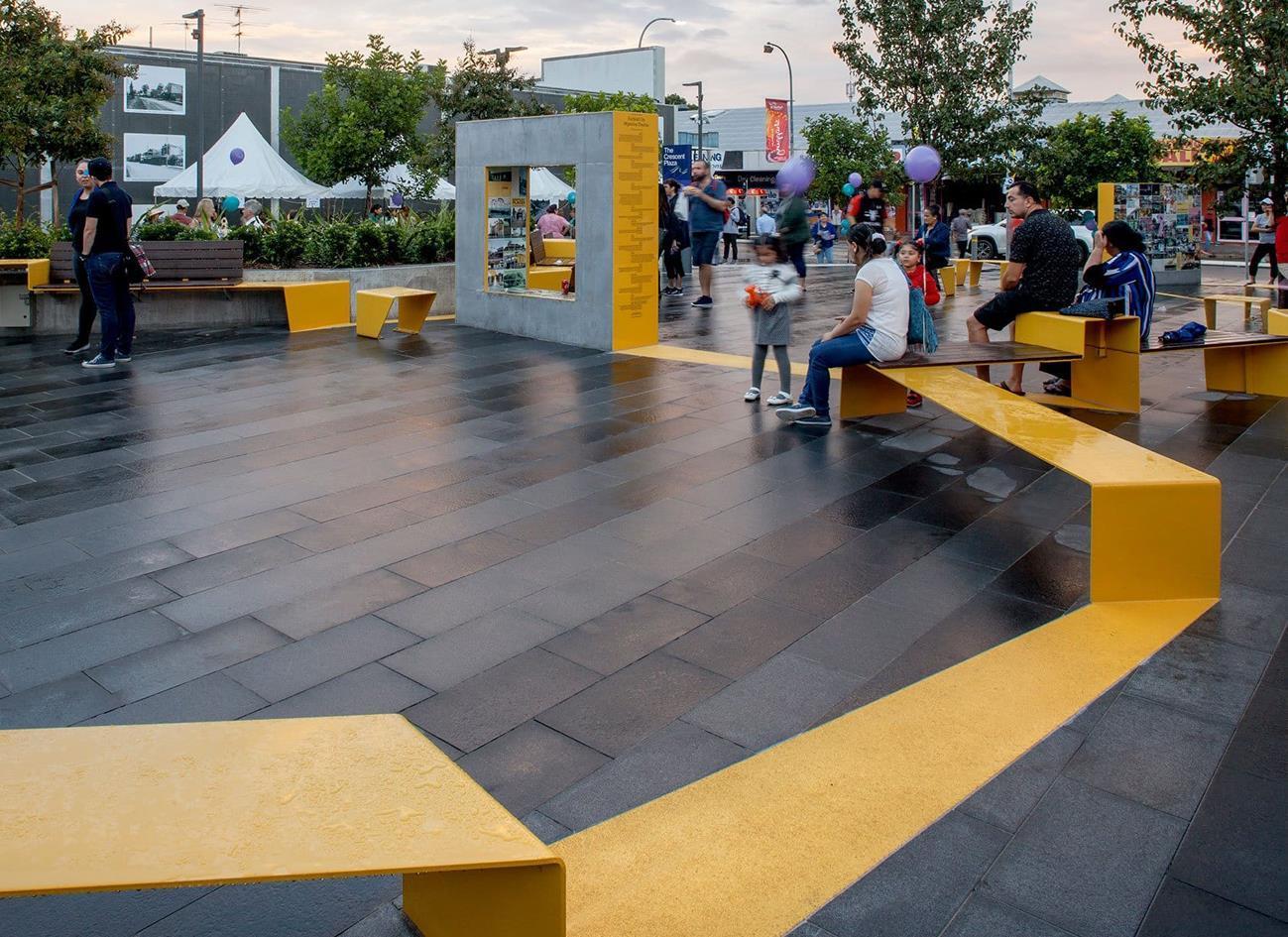 商业步行街专用厚砖:2cm石英砖瓷砖厚板铺贴有哪些注意事项?