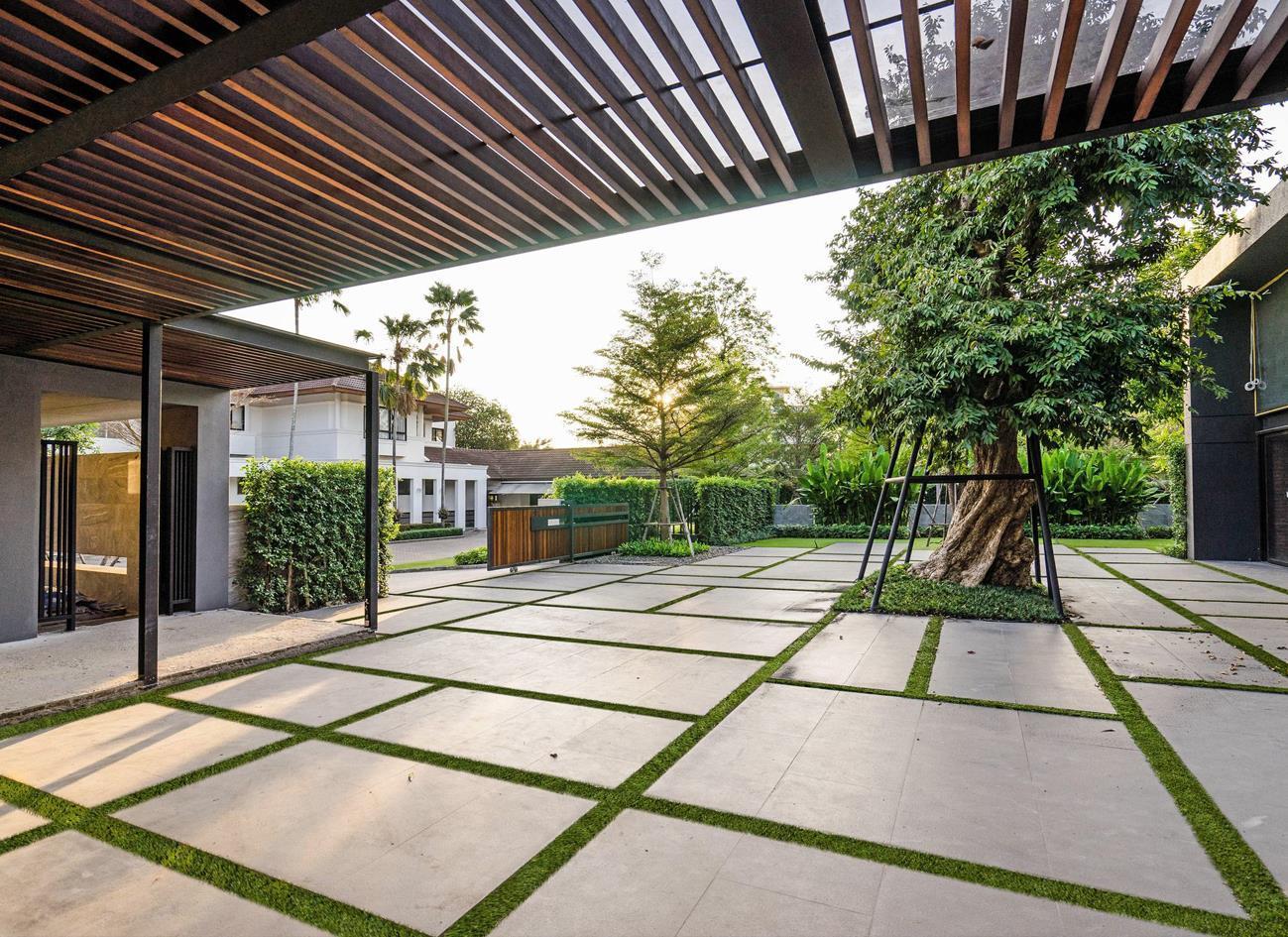 園林人行道鋪裝生態地鋪石有什么優點?